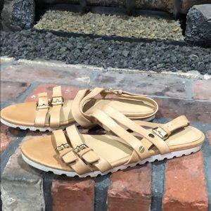 Isaac Mizrahi leather flat strappy sandals sz 9.5